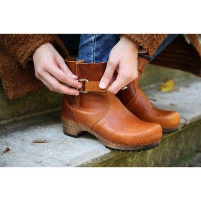 Mina Low Classic Clog Boot Cognac 452330