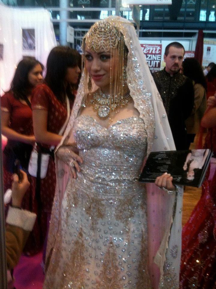 Blog officiel *****: Crazydiams au Grand Salon du Mariage Oriental Accessoires pour réussir votre mariage sur http://yesidomariage.com