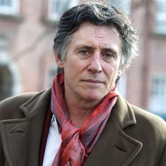 Gabriel Byrne is perfection...