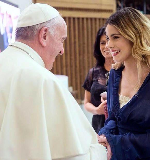 Marina foi abençoada pelo Papa Francisco #MartinaEmBuenosAires #MartinaEPapaFrancisco