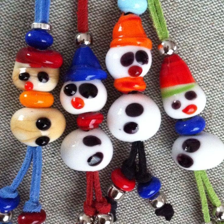 My glass bead snowman necklaces for children Çocuklar için cam boncuk kardan adamlarım