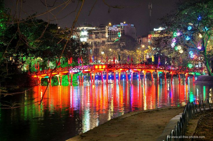 Hoan Kiem Lake http://hivietnam.vn/ha-noi/ http://hivietnam.vn/things-to-do-in-hanoi/ http://hivietnam.vn/