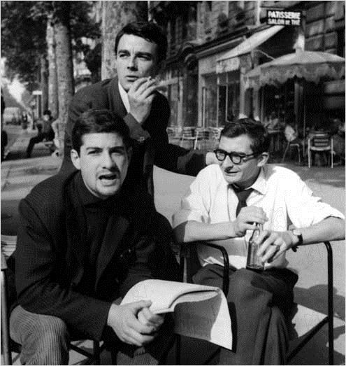 """Jean-Claude Brialy, Gérard Blain and Claude Chabrol on the set of """"Les cousins"""" (1959)"""