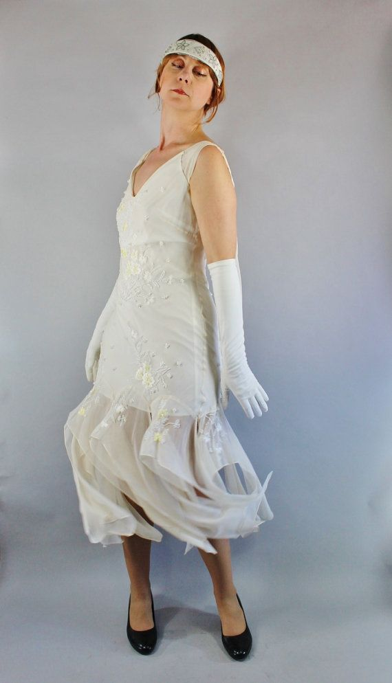 Vintage 90s does 20s Women's Cream Flapper Style by gogovintage
