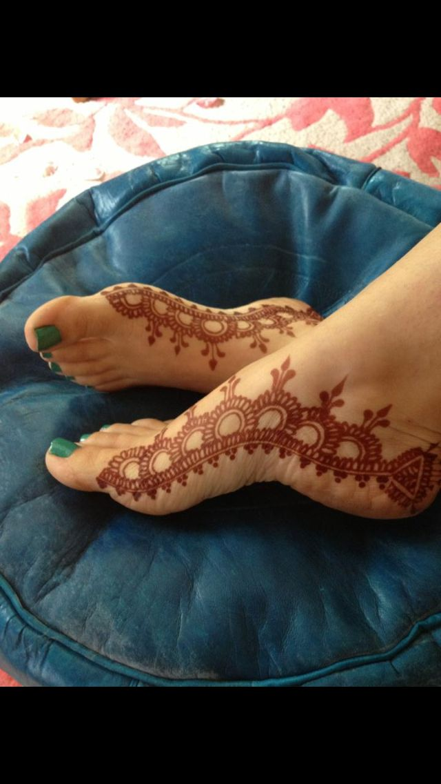 henna foot design Check out more desings at: http://www.mehndiequalshenna.com/