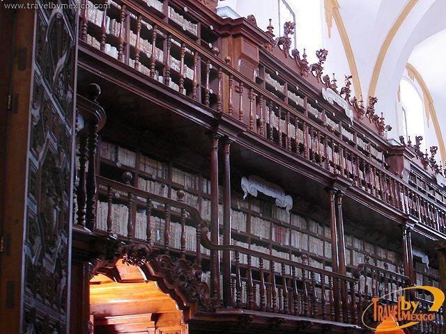 puebla images biblioteca   La Biblioteca Palafoxiana se localiza en la ciudad de Puebla
