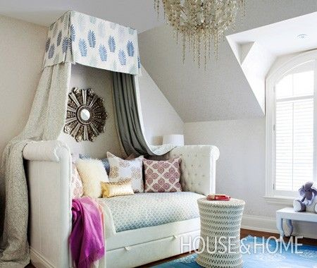 Jennifer Worts Canopied Day Bed (via House & Home)