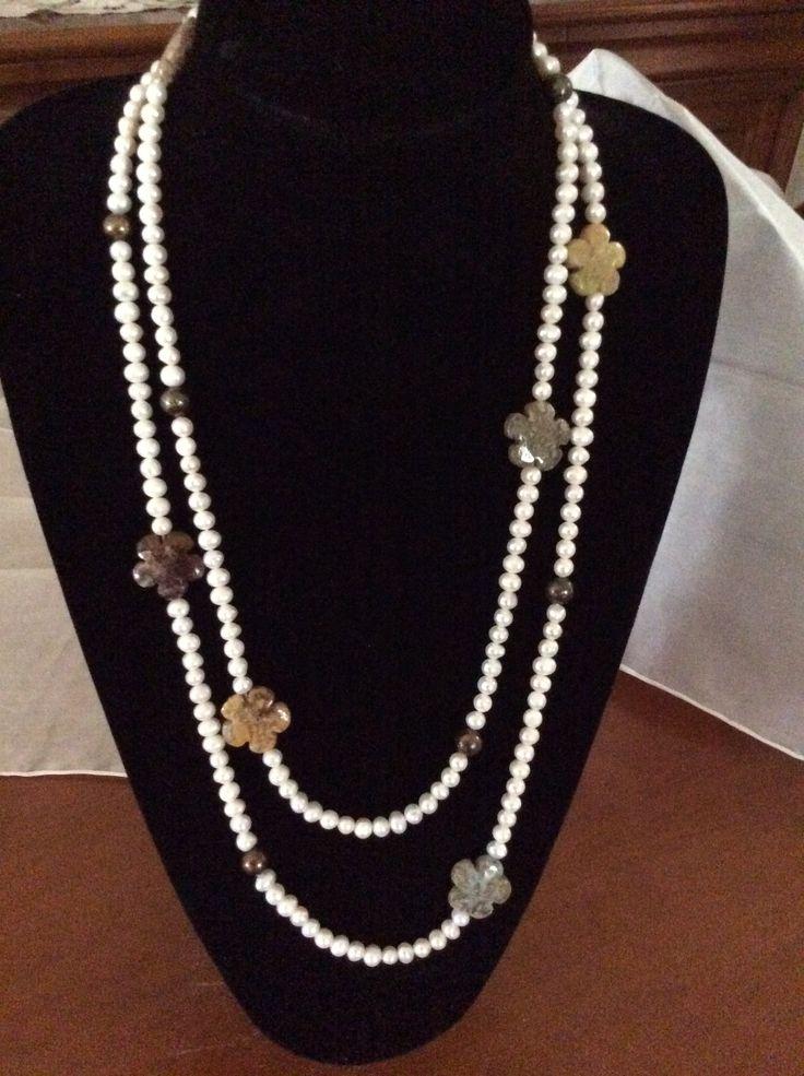 Collar largo de perlas y ágatas en tonos otoñales 45€