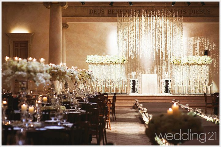 격조 높은 공간에서 즐기는 프리미엄 웨딩, 로맨틱한 겨울 웨딩