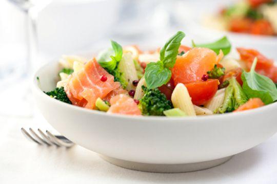 Паста-салат с копченым лососем | Pasta Paolo - рецепты пасты и соусов к пасте