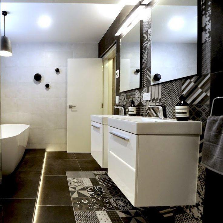design salle de bains moderne avec carrelage imitation carreaux de ciment