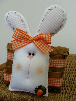 felt bunny attached to basket (get to website later)