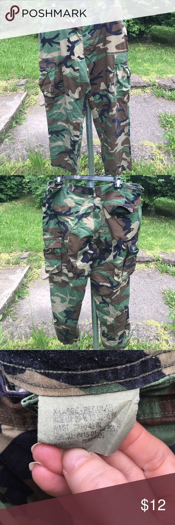 Real military issue camouflage pants. X-large regular . 29 1/2 to 32 1/2 inch inseam. 39 - 43 inch waist. Two tears on back which I have shown clearly in pics. Military Pants Cargo