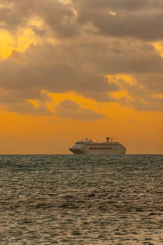 "P&O Cruises ship ""Pacific Jewel"" sailing off at Sunset of Noumea, Grand Terre_New Caledonia"