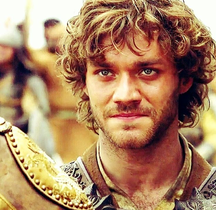 Lorenzo Richelmy has the ability to look EXACTLY like Hugh Dancy! I mean, look…