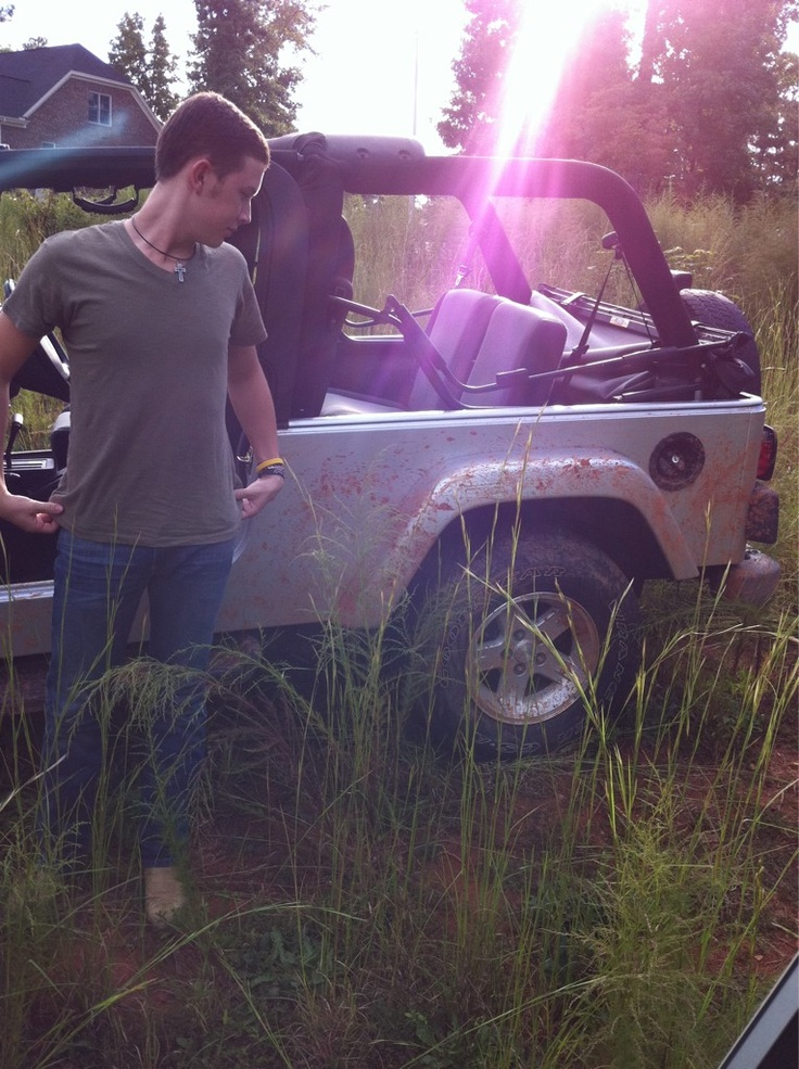 Scotty McCreery and a jeep! OH YEAH! My kinda man!