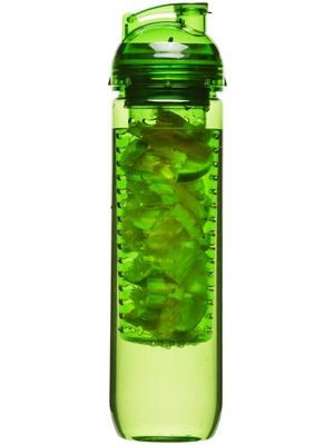 SAGAFORM FLASKE MED BEHOLDER FOR FRUKT Plast. 800 ml. Trykk: Ønsker du din logo på dette produktet? Be oss om pris på post@blatt.no