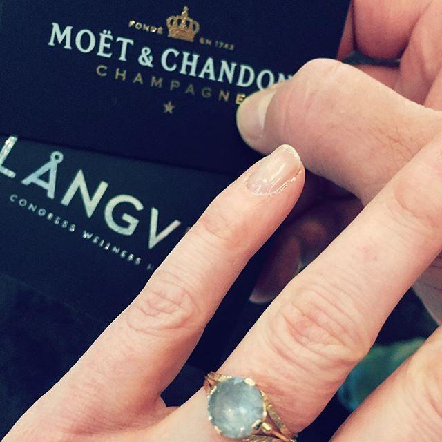 9 years of bliz and blisters in the bag! Thank you my darling for all of them 💋#anniversary #getawayweekend #marriedlady #priorities #thankgoditslångweekend #langvikhotel http://www.langvik.fi/