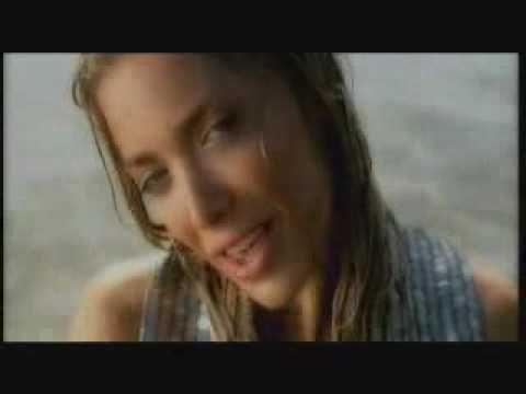 اغنية يونانية  الحان عربية حلوة musique grecque par la fille   يوتيوب فيديو