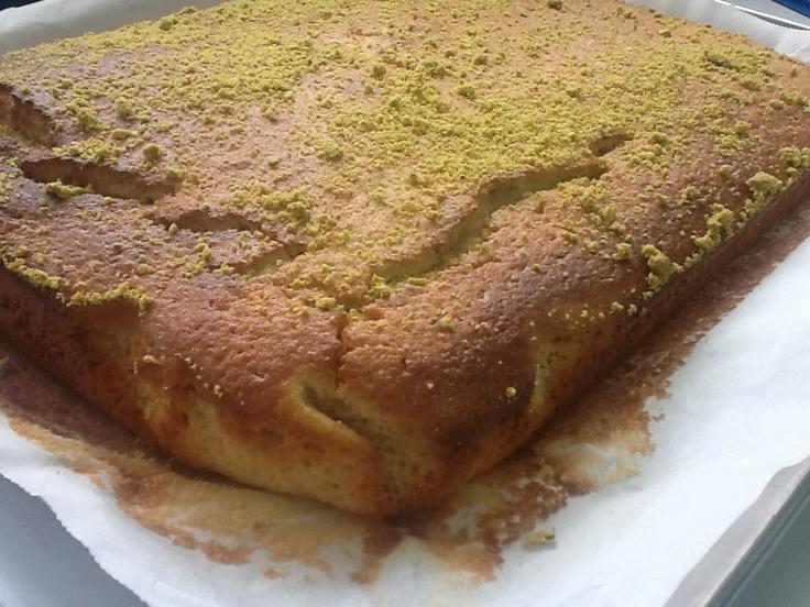 Bizcocho de Limón y Pistacho.   http://frivolidadesdelkioscodelparque.blogspot.com.es/2013/04/bizcocho-de-limon-y-pistacho.html