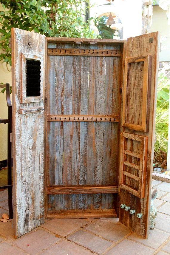 Reclaimed Wood Jewelry Wall Organizer von honeystreasures auf Etsy