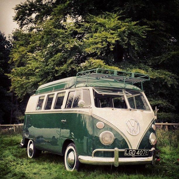 vw camper splitscreen green