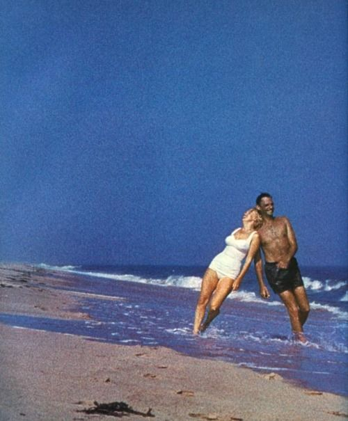 Marilyn and Arthur: Marilyn Monroe, Sam Shaw, 1957, Monroe Photos, Posts, Beach, Arthur Miller, M M