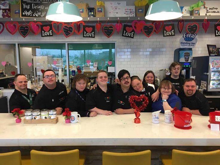 Кафе под названием Hugs + Mugs, расположенное в штате Иллинойс (США), уникально, ведь весь работающий здесь обслуживающий персонал — это люди с синдромом Дауна. Это заведение открылось в 2014…
