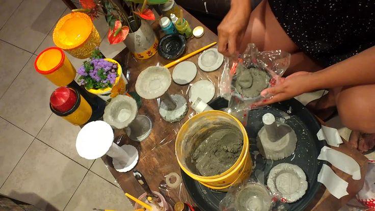 Vasos pintados com porcelana líquida