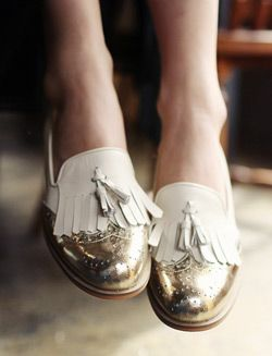 white and gold fringed brogues
