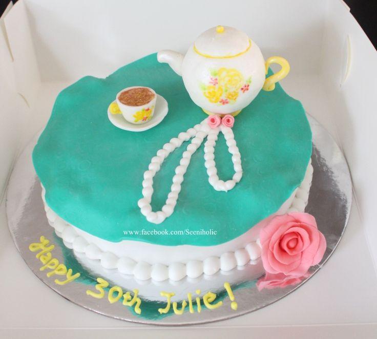 Tea pot cake for a tea party
