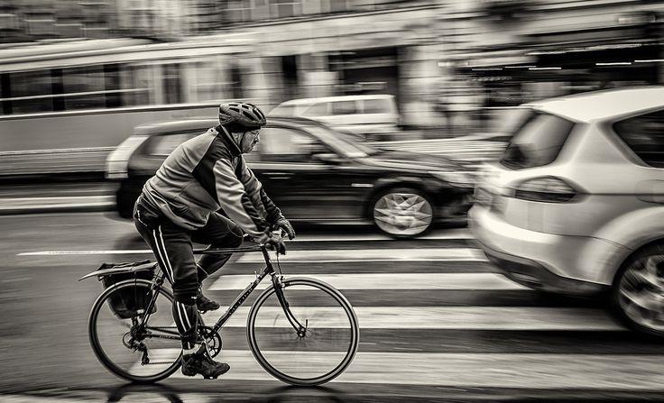 Travel in Traffic by Keszi László on 500px