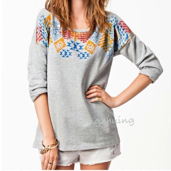 "🆕 Grey Aztec Batwing Top NWOT Super comfortable casual batwing grey top with Aztec print. Great wearing with jeans or shorts for weekend fun. Made of soft Cotten blends. Size fits XS/S. Measurements approximately: bust 36""; length 23"". Brand new without tags. Boutique Tops"