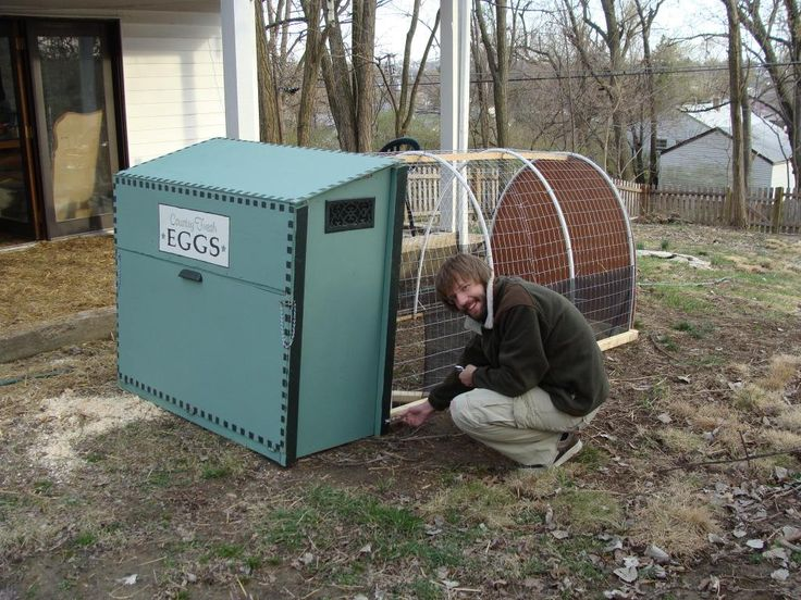 331 best images about chicken coops on pinterest chicken for Cheap chicken tractor