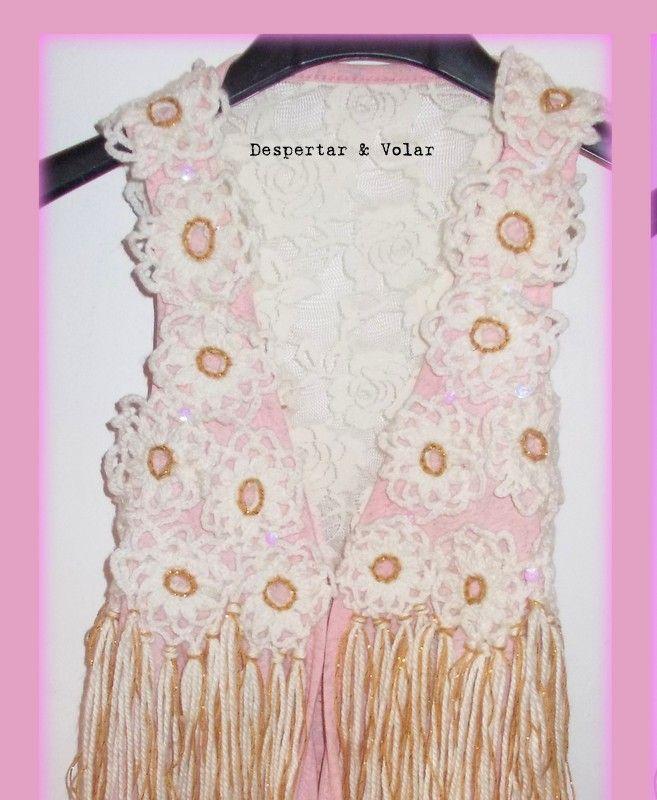 flores tejidas al crochet, bordados en hilo, flecos