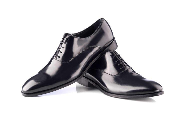 ¿Te gustan los zapatos de novio clásicos? Conoce todos nuestros complementos en http://www.enzoromano.com/complementos-2016/