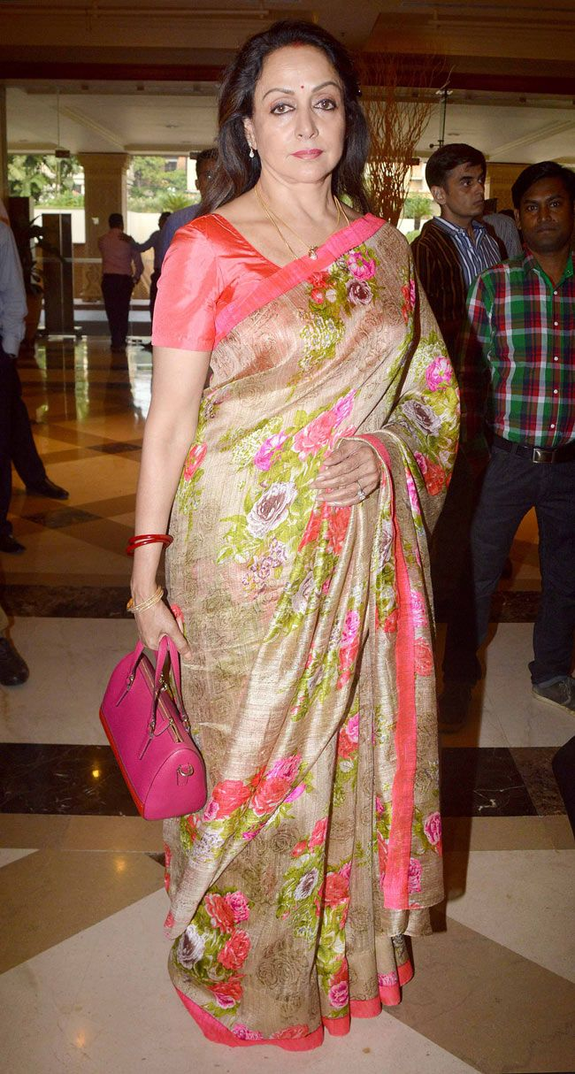 Hema Malini at the Yash Chopra Memorial Awards. #Bollywood #Fashion #Style #Beauty