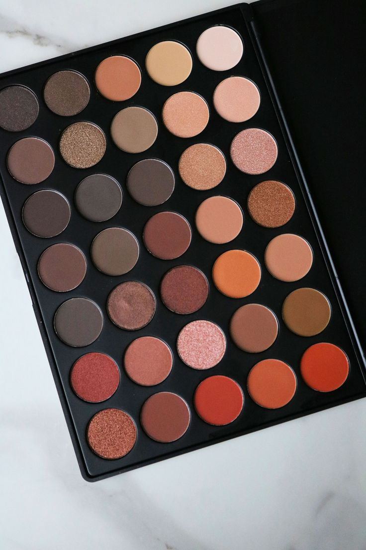 Featuring bold and beautiful colors, the Morphe 350 Nature Glow Palette is the p…