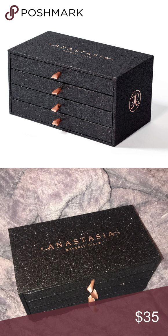 Abh PR glitter box Makeup beauty room, Abh, Anastasia