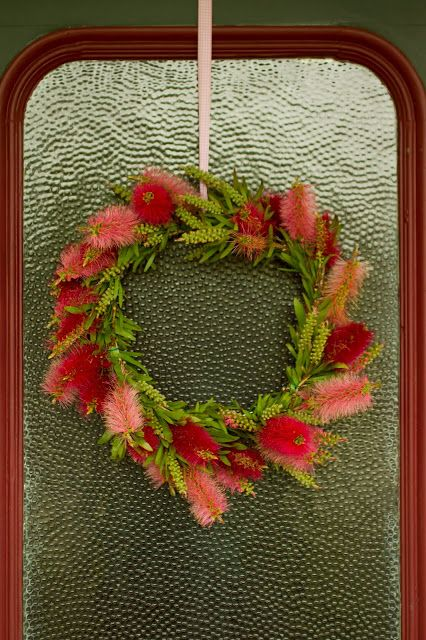 Saídos da Concha: Natal Cor-de-Rosa :: Pink Christmas - wreath made from Australian bottle brush branches