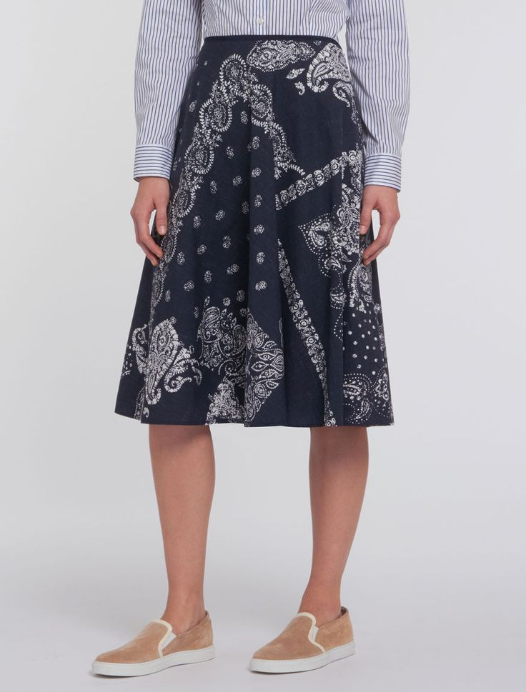 Printed cotton poplin skirt. Circle skirt. Regular waist, grosgrain finish. Below-the-knee length. Concealed zip fastening on the side. Lined. - Free Shipping and Returns