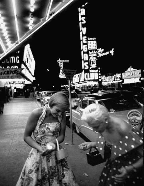Las Vegas Casinos 1950s vintage fashion style photo print sundress halter dress full skirt polka dots