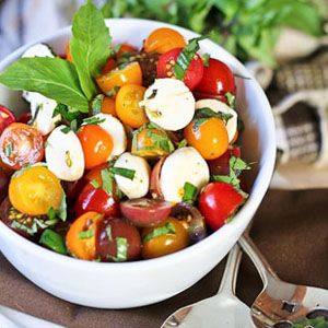 Quick Caprese Salad, from the Healthy Foodie [i know Caprese sandwiches are good, so i'm sure the salad would be equally delicious!]