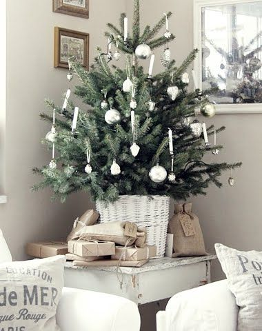 9 Easy Christmas Holiday Decorations with a Nod to Nautical and the Beach