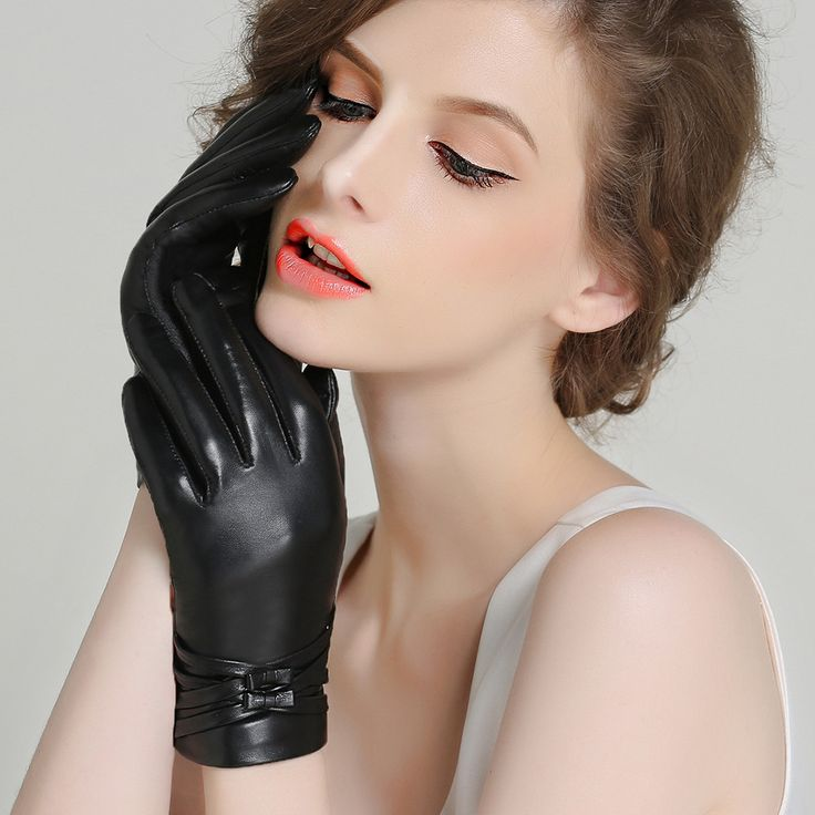 Genuine Leather Gloves Women Winter Plus Velvet Thicken Fashion Black Wrist Bowknot Driving Touchscreen Sheepskin Gloves F8009