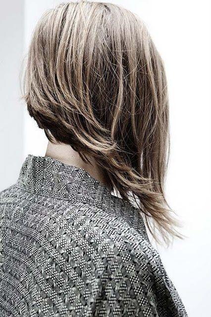 Haircut short in the back and long in the front - Corte de cabello largo al frente y corto en la parte trasera