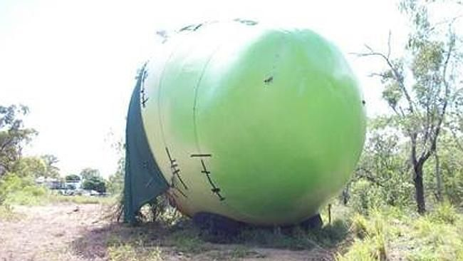 Stolen Giant Mango Used As Meth Lab So I'm sure everyone remembers the 30-foot tall, 10-ton mango that was stolen last week. Turns out it was used as a meth lab during the disappearance. I&#…