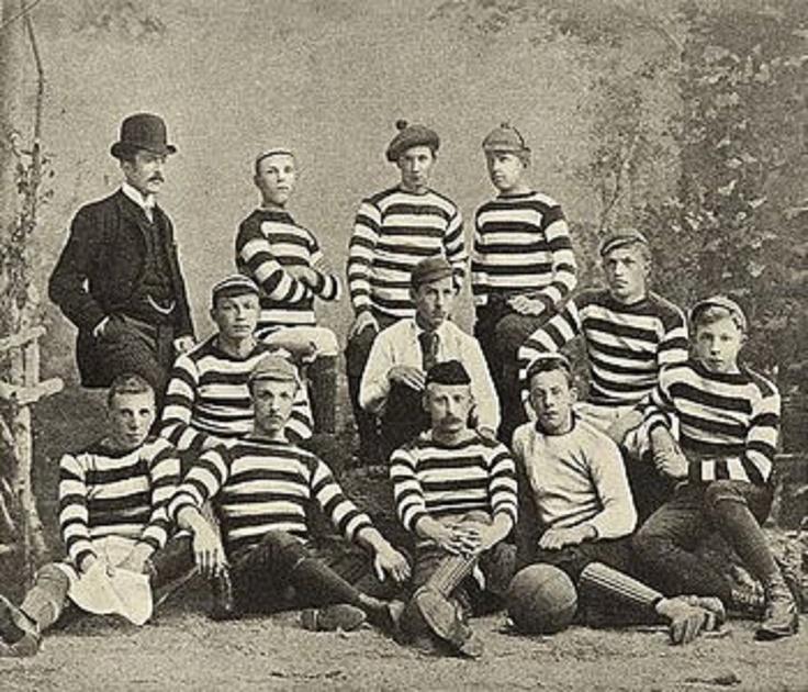 Koninklijke HFC (Royal Haarlemsche Football Club) 1879, los inicios de el fútbol en los Países Bajos.