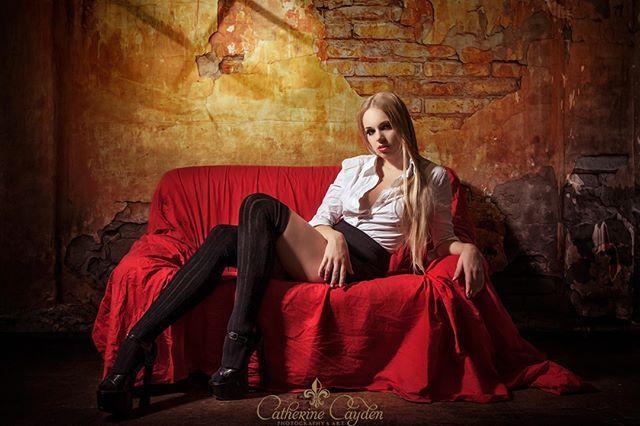 Model: Amiri K. Photo: Catherine Cayden . . . #fashion #business #women #uniform #modelphotography #modefotografie #portrait #blonde #businesswoman #catherinecayden #boots #photooftheday #instagood