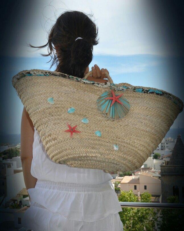 Capazo decorado diy Pueyo Pons con conchas y estrellas demar